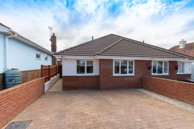 Thumbnail Bungalow to rent in Cornwall Avenue, Peacehaven, East Sussex