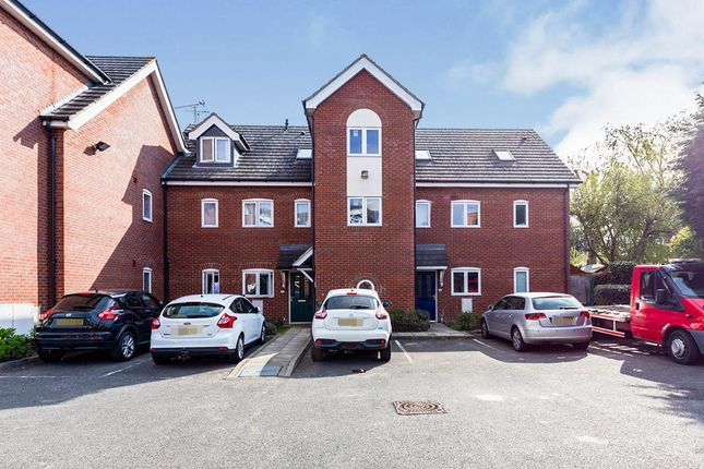 Thumbnail Flat for sale in Frank Young Court, Hitchin, Hertfordshire