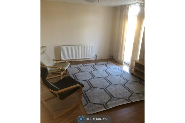 1 bed flat to rent in Madeira Grove, Woodford Green IG8