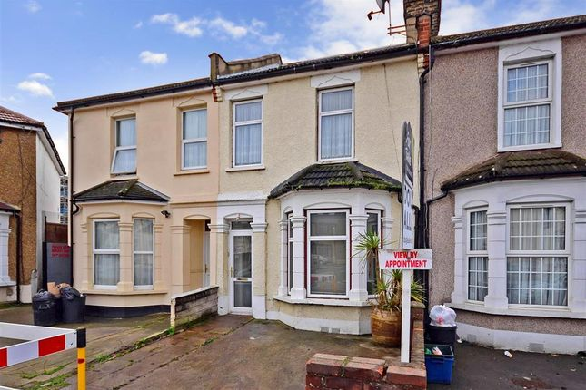 Thumbnail Terraced house for sale in Wanstead Park Road, Ilford, Essex