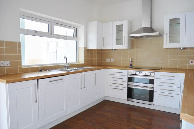 Thumbnail Semi-detached house to rent in Farlington Avenue, Cosham, Portsmouth