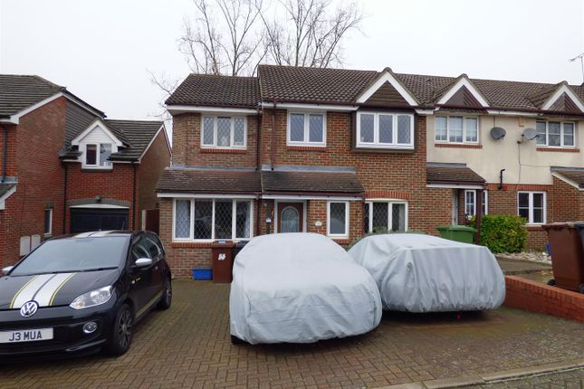 Thumbnail Property for sale in Robeson Way, Borehamwood