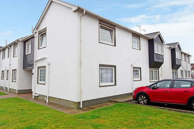 1 bed flat for sale in Highfield Court, Porthcawl CF36