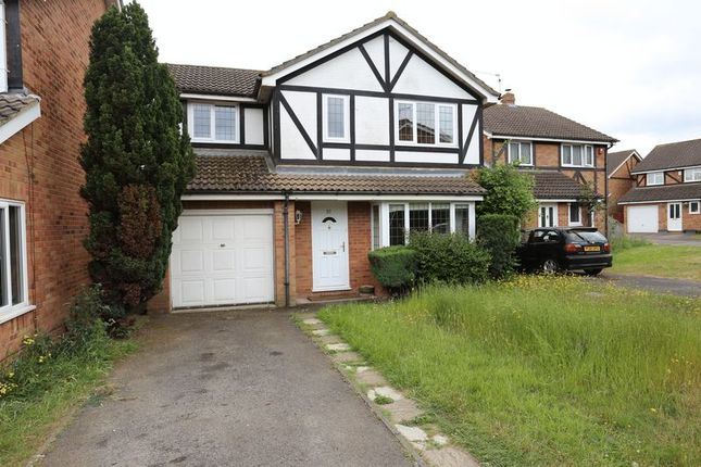 4 Bedroom Houses To Buy In Chaffey Close Woodley Reading Rg5 Primelocation