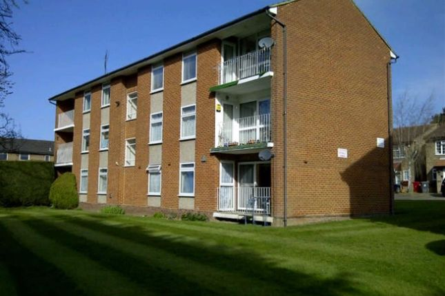 Thumbnail Flat to rent in Sandringham Court, Burnham, Berkshire