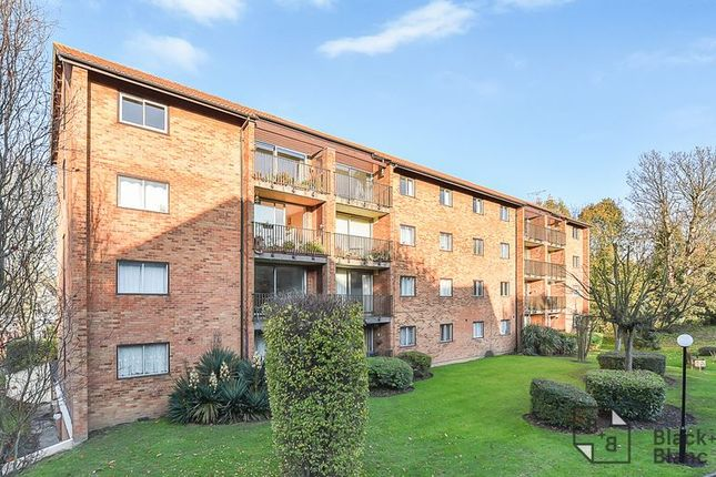 Thumbnail Flat to rent in Campion Close, Croydon
