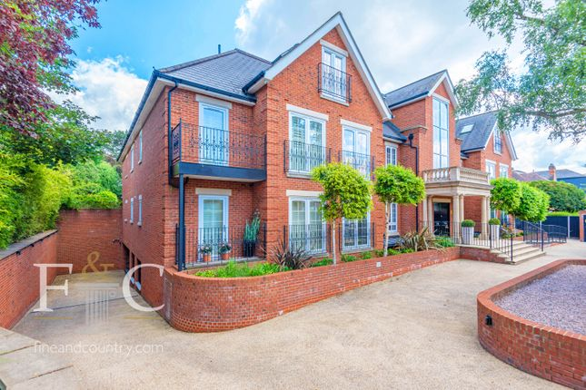 Thumbnail Flat for sale in Uplands Park Road, Enfield, Greater London