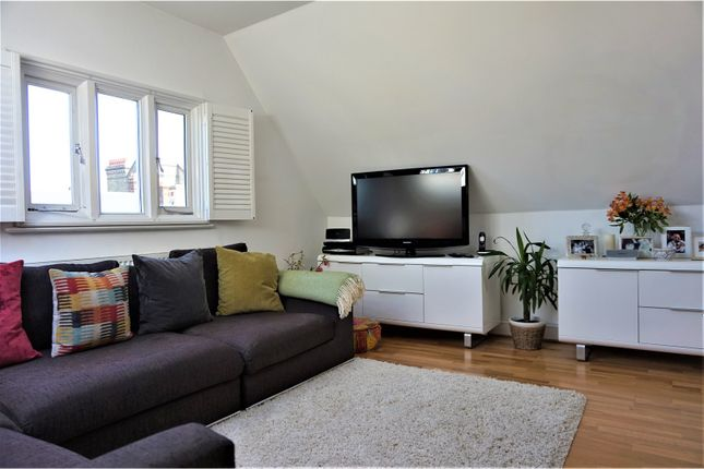 Thumbnail Flat for sale in 17 Lewin Road, Streatham