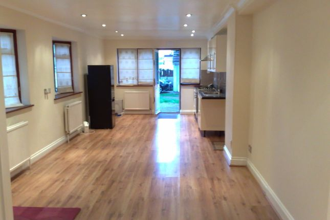 1 bed flat to rent in St Nicholas Court, Elm Park RM12