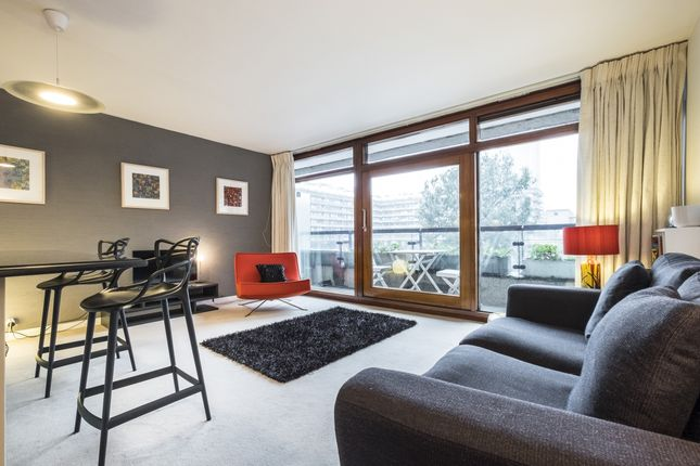 Thumbnail Flat to rent in Barbican, London