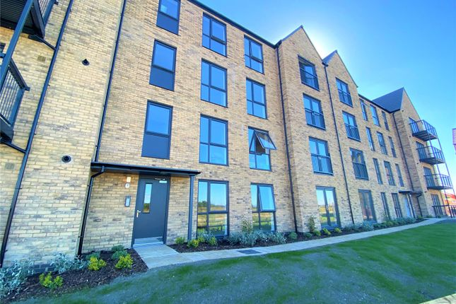 1 bed flat to rent in Haskins House, Canalside, Swindon SN1