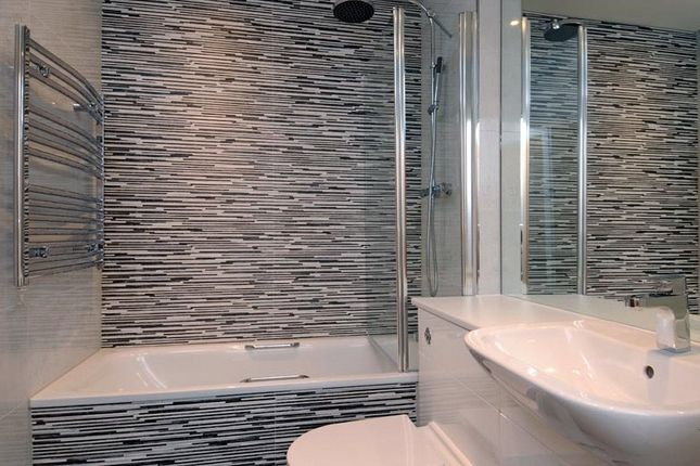 Bathroom of The Edge, Mount Harry Road, Sevenoaks, Kent TN13