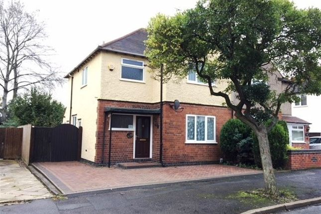Thumbnail Semi-detached house to rent in Lawrence Road, Rugby, Warwickshire