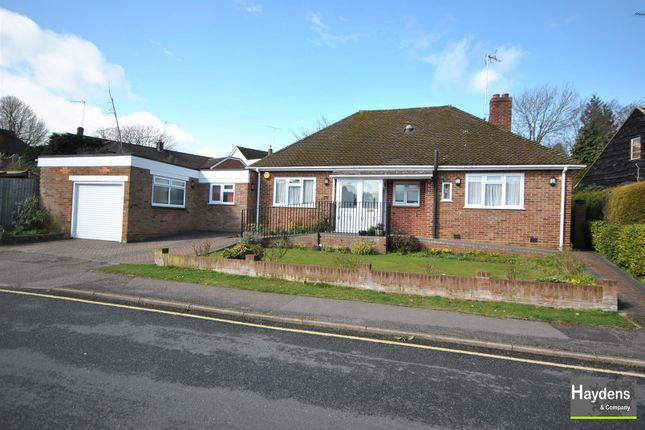 Thumbnail Bungalow for sale in Homewood Avenue, Cuffley, Potters Bar