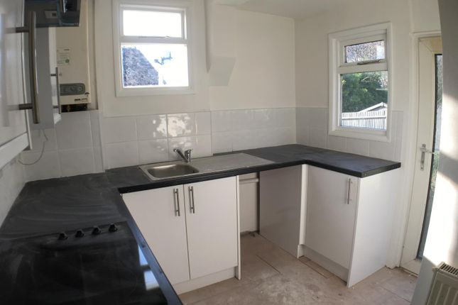 Thumbnail Flat to rent in Bear Road, Brighton