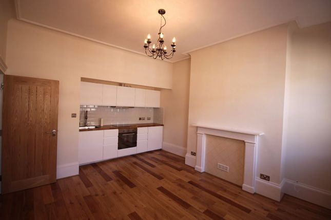 2 bed flat to rent in Ethelbert Road, Margate