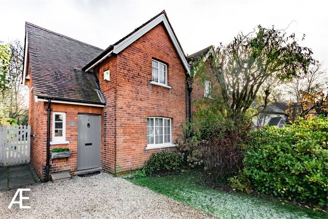 3 bed semi-detached house for sale in 6 Orchard Villas, Chislehurst, Kent