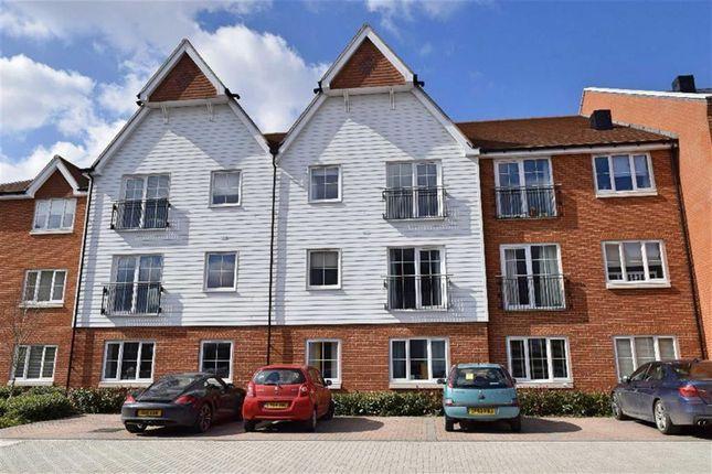 Thumbnail Flat to rent in Swinton Court, Dunton Green