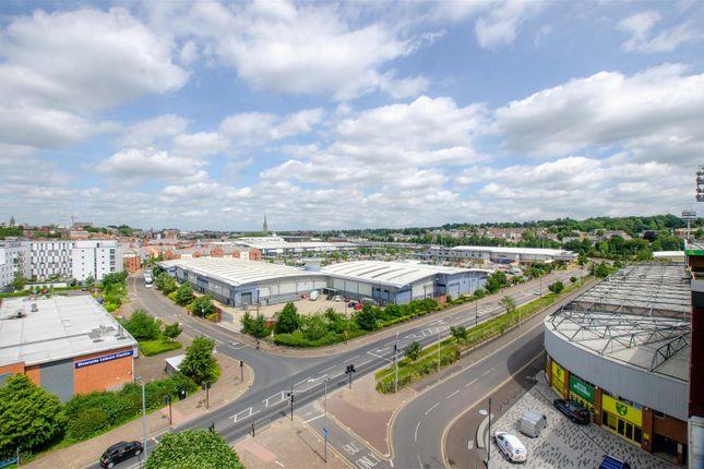 Thumbnail Flat for sale in Geoffrey Watling Way, Norwich