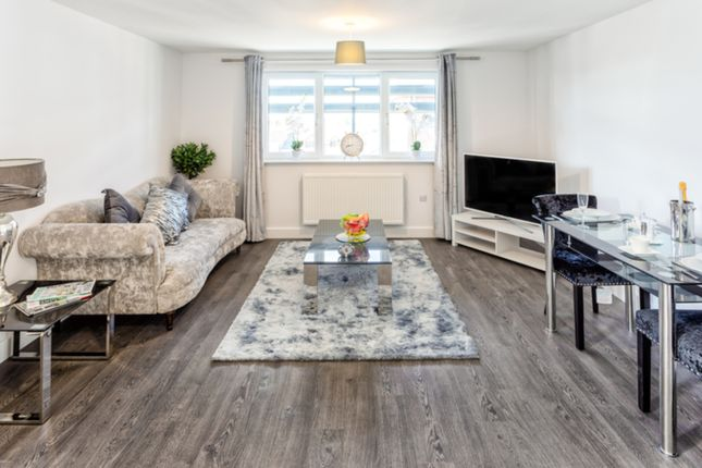 1 bed flat to rent in Cantelupe Road, East Grinstead RH19