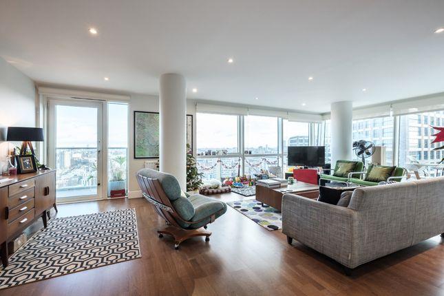 Thumbnail Flat to rent in Whitechapel High Street, London