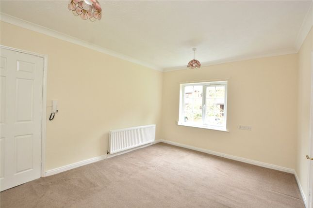 Picture No. 06 of Maple Croft, Moortown, Leeds, West Yorkshire LS17