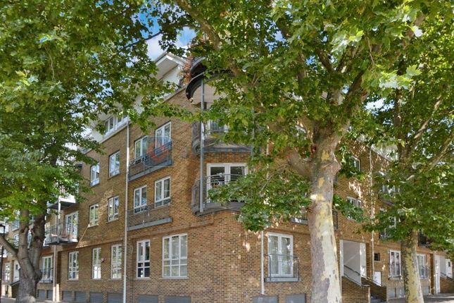 Thumbnail Flat for sale in Rope Street, London