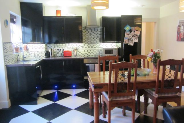 2 bed semi-detached house to rent in Frimley Road, Camberley GU15