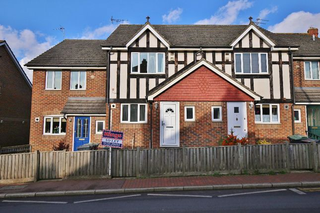 3 bed property to rent in Western Road, Borough Green, Sevenoaks TN15