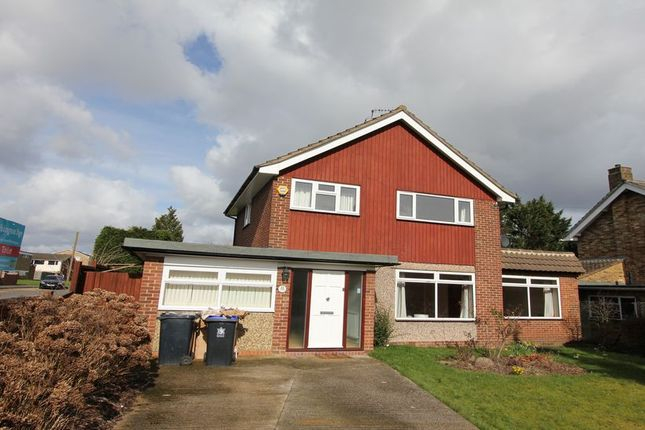 Thumbnail Detached house to rent in Mayflower Way, Beaconsfield