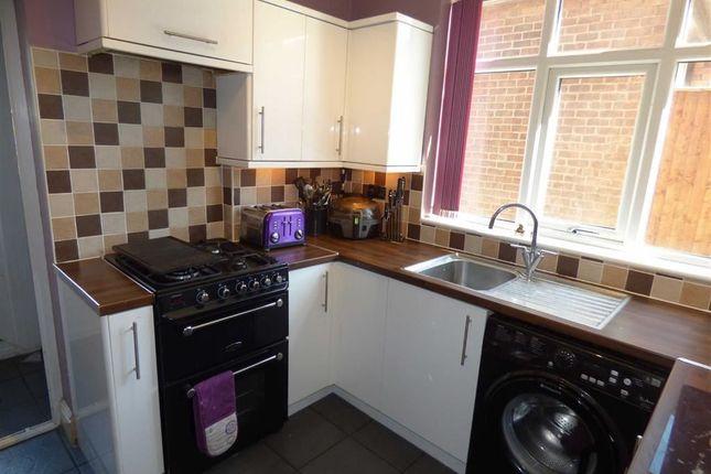 Kitchen of Hawthorn Grove, Gainsborough DN21