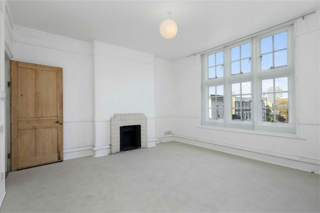 Flat to rent in Pennard Road, London