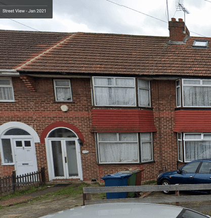 Thumbnail Terraced house to rent in Oakleigh Avenue, Edgware