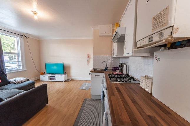Thumbnail Flat for sale in Oaks Court, Cann Hall Road, Leytonstone