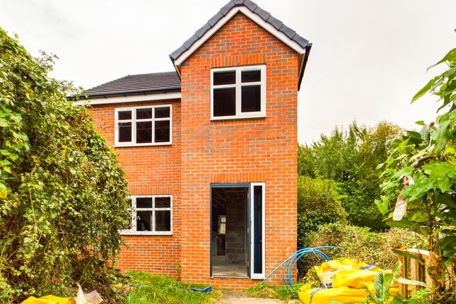 Thumbnail Detached house for sale in Town Street, Beeston, Leeds