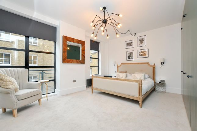Thumbnail Flat for sale in Chilton Street, London