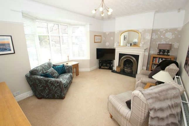 Lounge of Campbell Road, Sale M33