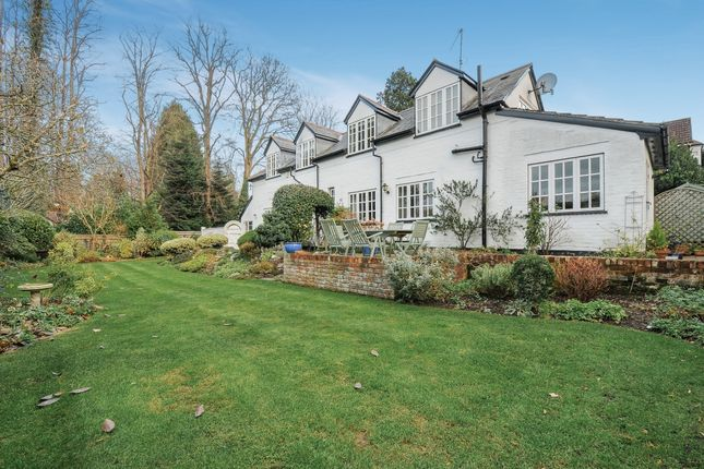 Thumbnail Cottage to rent in Beech Hill Road, Sunningdale, Ascot