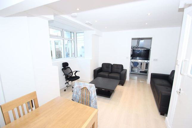 Thumbnail Property to rent in Grays Road, Headington, Oxford