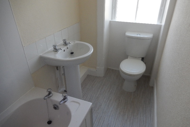 Thumbnail Flat to rent in Highholm Street, Port Glasgow, Inverclyde, 5Hl