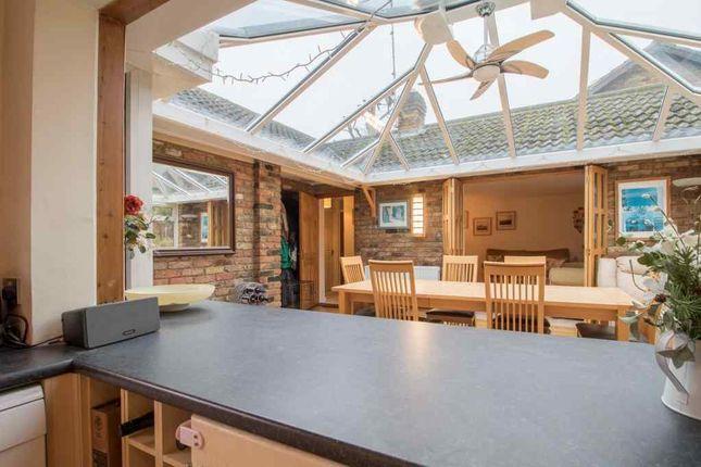 Thumbnail Bungalow for sale in Oak Piece, Welwyn