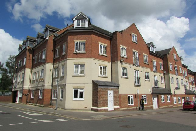 Thumbnail Terraced house to rent in Luton, Luton