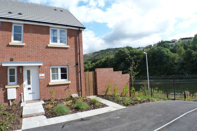 3 bed semi-detached house to rent in Coles Close, Llais Tawe, Swansea SA1
