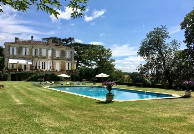 Thumbnail Country house for sale in Gers, Midi Pyrenees, France