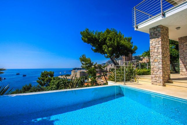 Thumbnail Villa for sale in Roquebrune-Cap-Martin, Alpes-Maritimes, Provence-Alpes-Côte D'azur, France
