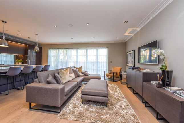 Semi-detached house to rent in Egerton Drive, Isleworth