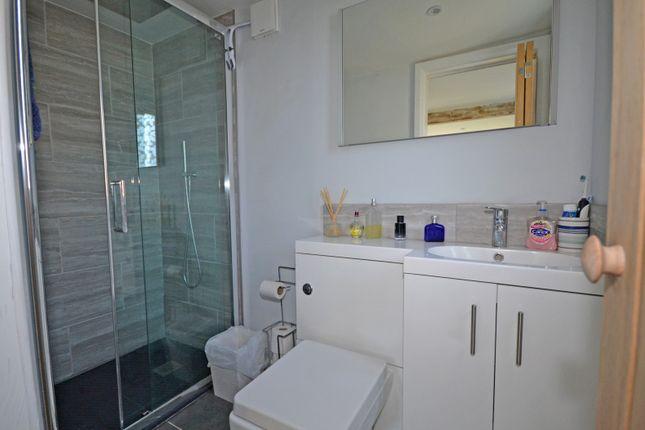 En-Suite Shower Room To Guest Bedroom
