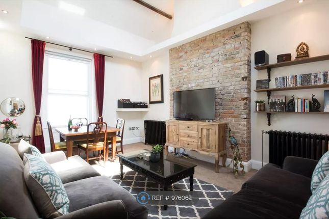 2 bed flat to rent in Fort Crescent, Margate CT9
