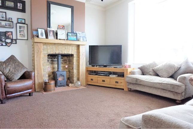 Lounge of Recreation Avenue, Leigh-On-Sea SS9