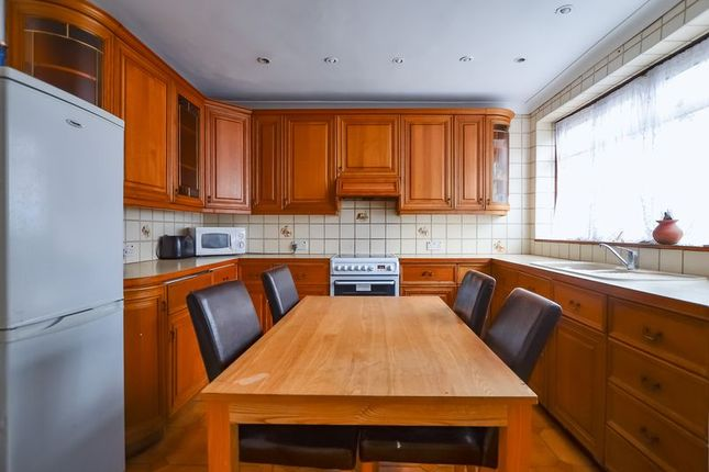 Thumbnail Duplex to rent in Glengall Grove, London
